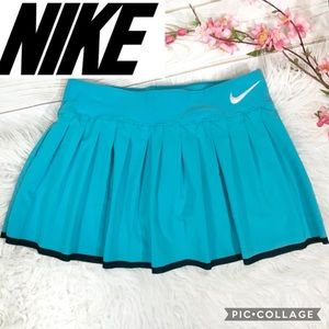 Nike dry-fit pleated tennis skirt size M